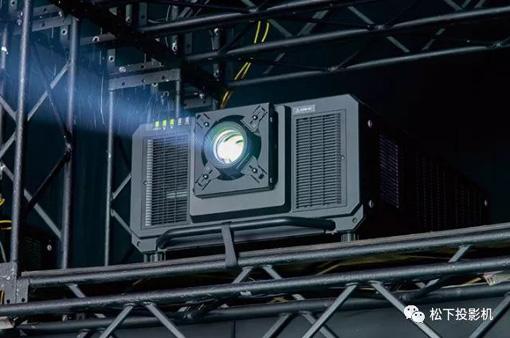 松下工程投影机打造8K超高清画质体验