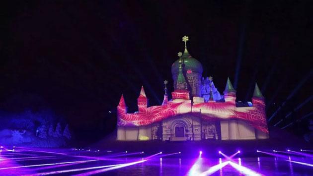 松下工程投影演绎2018国际雪博会精彩灯光秀《雪舞间》